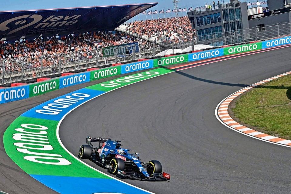 Fernando Alonso tijdens de training.
