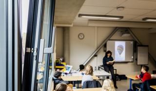Ventilatie op scholen nauwelijks aangepakt omdat subsidieregeling niet werkt: 'Met veel pijn en moeite kon er één school aangepakt worden'