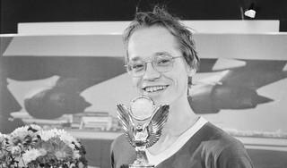 Jannes van der Wal was de beste dammer ter wereld en begreep niet waarom Mies Bouwman hem vroeg hoe oud hij was