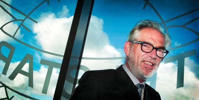 Telstar-voorzitter Pieter de Waard heeft zijn tien handtekeningen bijna binnen
