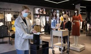 'Driekwart Nederlanders wil eerder af van mondkapjesplicht'