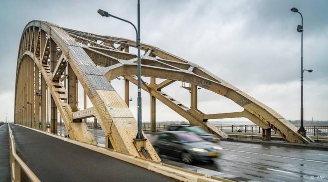 Nijmegen herdenkt veroveren Waalbrug