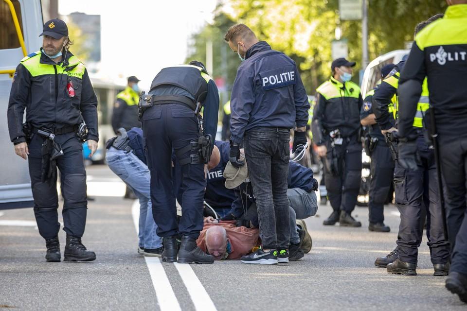 Geen grote evenementen dit jaar, wel veel demonstraties die de politie handenvol extra werk bezorgen.