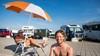Vrije geesten dalen neer aan zee in Zandvoort: 'Ik kocht mijn camper van mijn eerst verdiende geld'