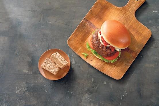 Proteïneboerderij wil snel doorgroeien en leveren: straks allemaal aan de larvenburger
