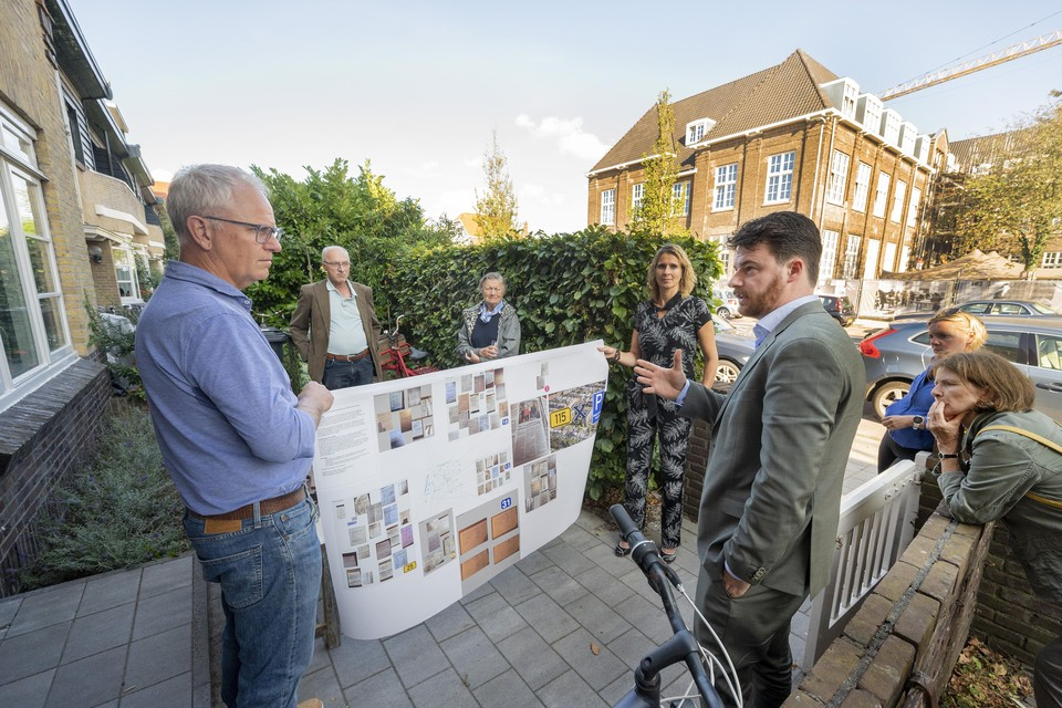 'Dit moet jou al milieubewuste wethouder toch aanspreken?', zegt Ter Horst (links) tegen wethouder Berkhout.