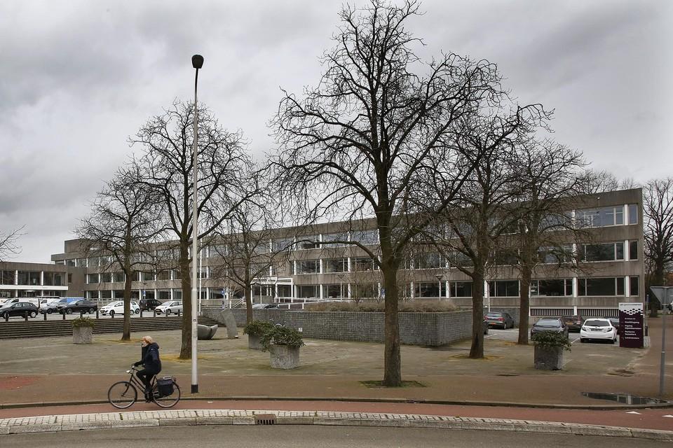 Volgens meerdere buurtplatforms kost het veel energie om gehoor te vinden op het gemeentehuis van Gooise Meren.