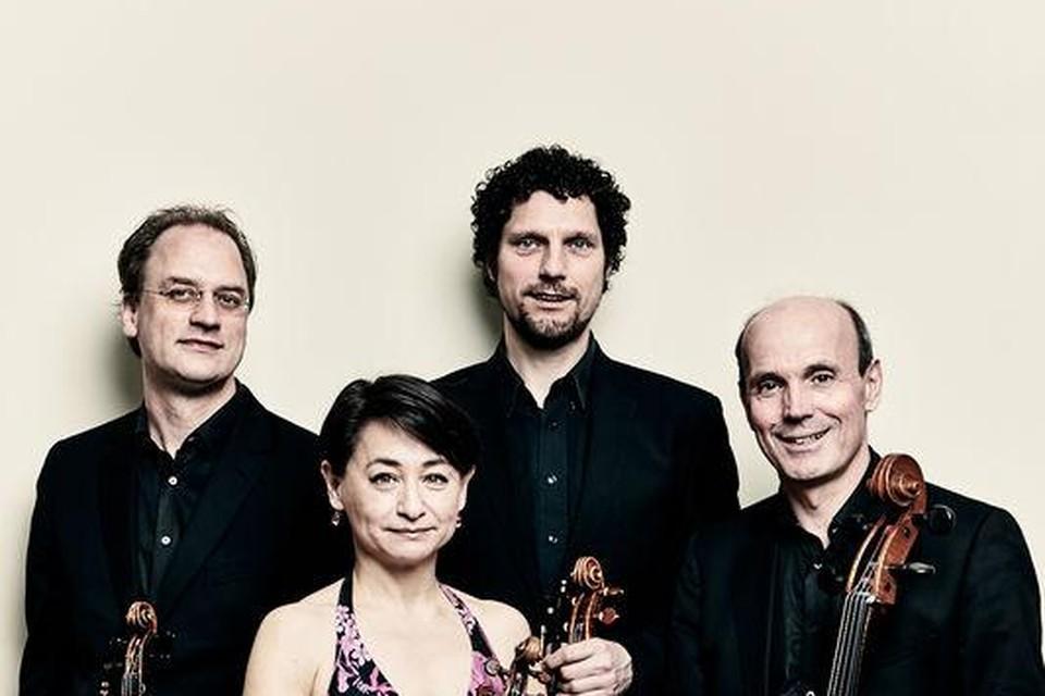 Aan het spel van het Ruysdael Kwartet klinkt niets bedacht. Open zenuwen raakt het.