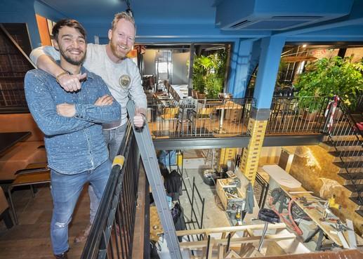 Café-restaurant Miyagi & Jones in Haarlem: monument in modern petrol
