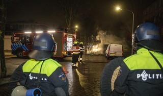 Veertien aanhoudingen na rellen in Schalkwijk, politie heeft situatie onder controle (update)