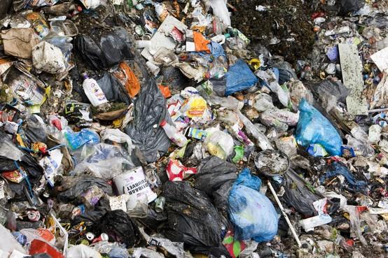 Bijval voor morrende vuilnisophalers: vakbond eist dat afvalverwerkingsbedrijf HVC afspraken sociaal plan nakomt