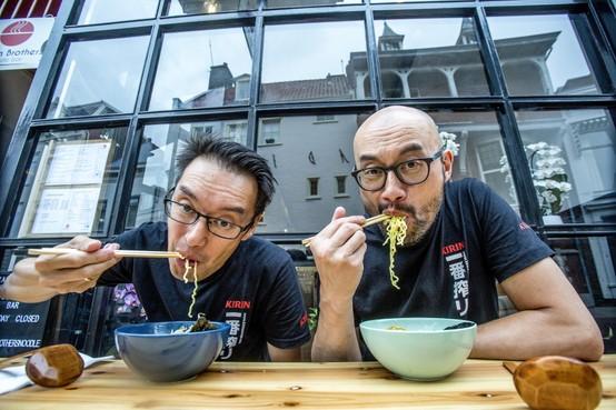 Slurpen verplicht bij de Noodle Bar in Haarlem