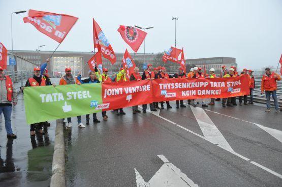 FNV bereidt juridische strijd tegen Tata Steel voor