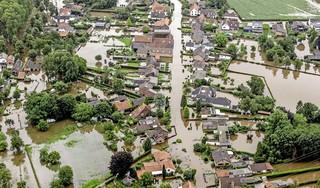 Geëvacueerde Venlonaren mogen weer naar huis, bedrag Giro 777 voor Limburg stijgt naar 4,2 miljoen euro   Volg hier de laatste ontwikkelingen over de watersnood [video]