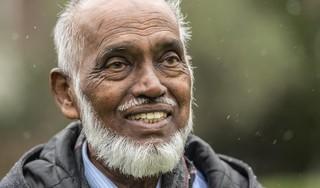 Jamiels (74) leven hing aan een zijden draadje door corona: 'Op foto's lijk ik wel een spook, ik herken mezelf niet terug'