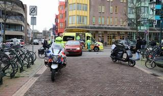Scooterrijdster ernstig gewond bij ongeval in Bussum