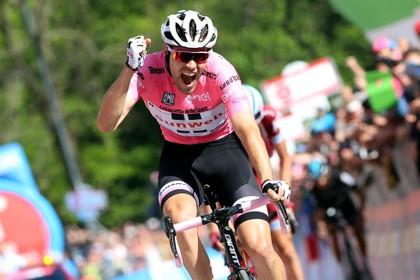 Toen er op 20 mei nog wél gesport werd: 'Dit is shit!', zegt Tom Dumoulin in stressvolle week in de Giro [video]