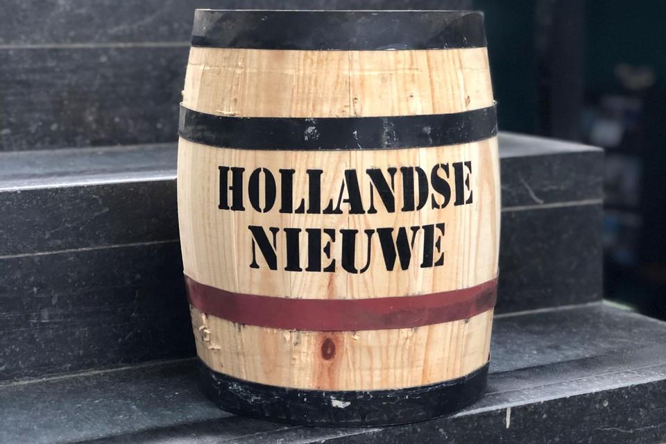 Het eerste vaatje Hollandse Nieuwe.
