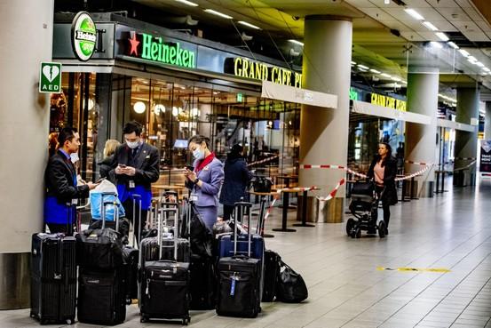 125 Indiërs nog steeds vast op Schiphol