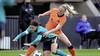 Stefanie van der Gragt verlengt contract bij Ajax met een jaar