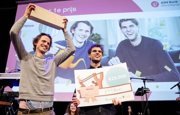 Ptthee van Haarlemse kruidentheeman Daan van Diepen grote winnaar ASN Bank Wereldprijs 2019