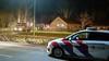 Mestopslag bij boerderij in Baarn vat vlam, brandweer voorkomt overslag