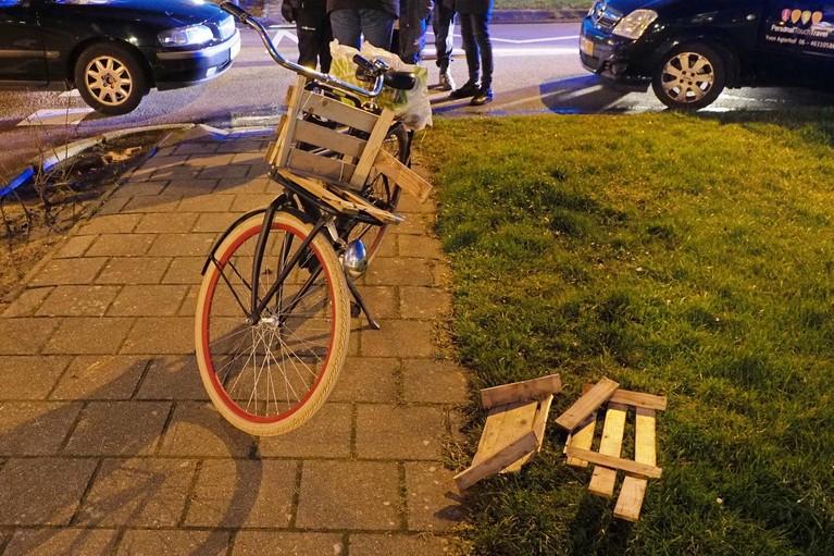 Fietser gewond aan het hoofd bij aanrijding in Velserbroek