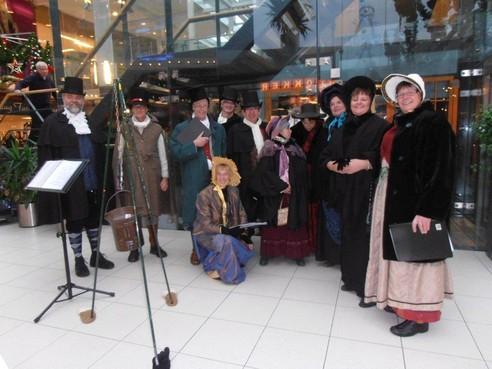 Kerstcarols zingen voor het goede doel in Zandvoort
