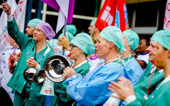 Ziekenhuisstaking is een historische operatie: alle algemene ziekenhuizen in Noord-Holland en onder andere het Alrijne in Zuid-Holland plat