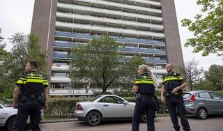 Knallen en zwarte rook bij brand in flatwoning op bovenste etage in Heemstede
