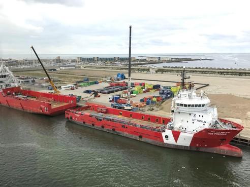 De haven van IJmuiden merkt de overgang van fossiele naar alternatieve energie. Hoe dan?