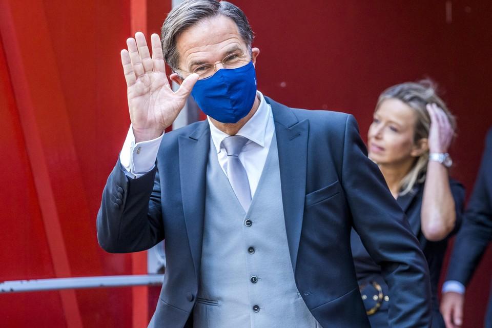 Demissionair minister-president Mark Rutte verlaat de Grote of Sint-Jacobskerk.
