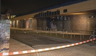 Veel schade na explosie bij Poolse supermarkt in winkelcentrum Beverhof in Beverwijk [video] [update]
