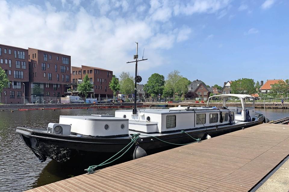 Schip De Olifant ligt al meer dan twintig jaar in de Haven van Heemstede.