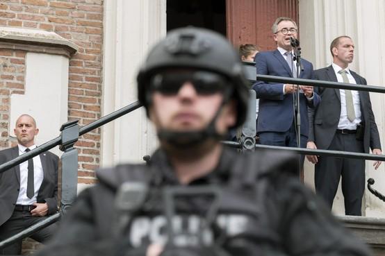 Haarlems burgemeester Wienen woont meestal weer thuis: periode van zware beveiliging is voorbij