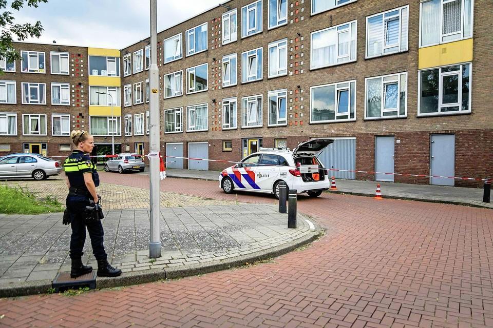 In Velsen-Noord raakte een man woensdagavond gewond bij een schietincident.