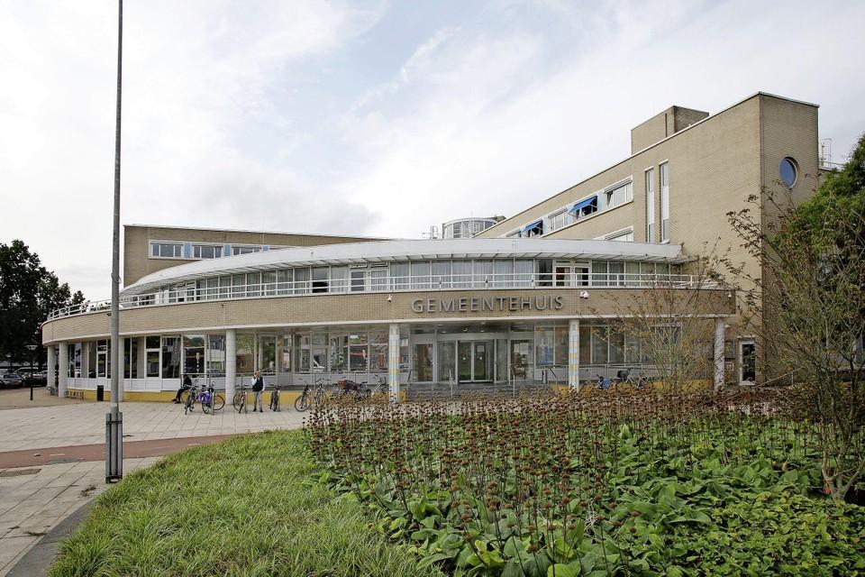 Het gemeentehuis van Huizen.
