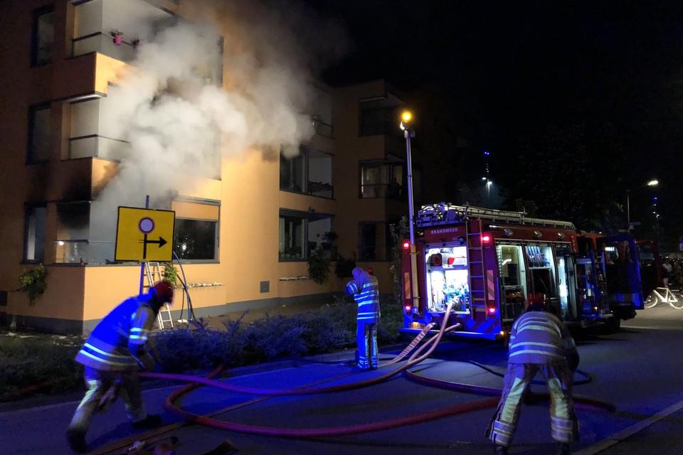 Op de begane grond van seniorencomplex De Prinsenhof in Hilversum is vrijdagavond laat brand uitgebroken.