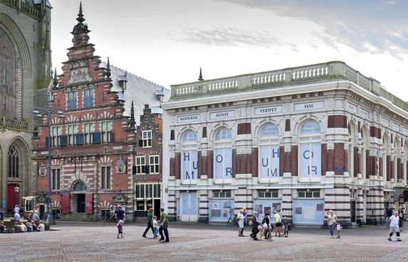 Voetbalmakelaar Raiola eist 4,2 ton schadevergoeding voor Haarlemse Verweyhal