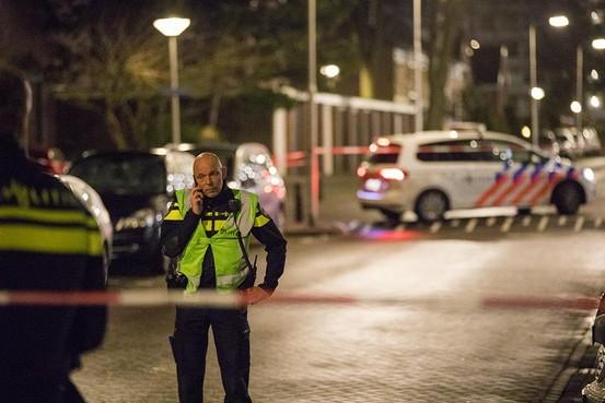 Neergeschoten verwarde flatbewoner overleden in ziekenhuis