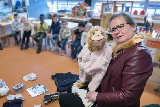 Karen al veertig jaar kleuterjuf met flair: 'Samen lekker gek doen, kinderen hebben dat nodig'