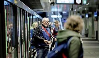 Kabinet wil Noord-Zuidlijn verlengen naar Schiphol en trekt 1,5 miljard uit