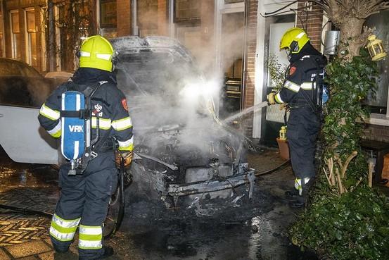 Autobrand in Leidsebuurt Haarlem waarschijnlijk met opzet