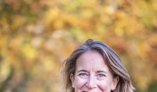 Marijke van Langen trekt op blote voeten de wereld over