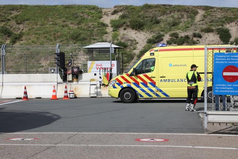 Traumahelikopter landt op circuit van Zandvoort voor gewonde motorrijder
