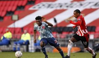 Ajax pakt in slotfase punt bij PSV en behoudt grote voorsprong [video]