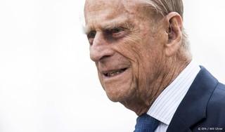 Brits Lagerhuis herdenkt prins Philip, echtgenoot van koningin