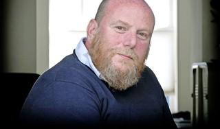 Jeroen de Rooij overleefde een herseninfarct, kanker en corona. 'Ik geloof heel erg in elkaar helpen. Iets teruggeven. Dat proberen we een beetje te doen'