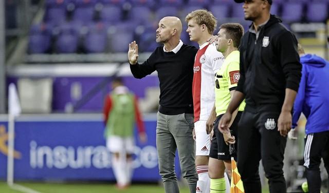 Aanvaller Rasmussen langer bij Ajax