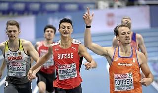 Unicum in de Nederlandse atletiek: drie finalisten op 400 meter EK indoor. Van Diepen, Dobber en Bonevacia winnen alle drie hun halve finale